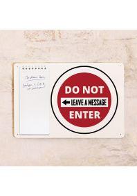 Табличка с блокнотом Do not enter