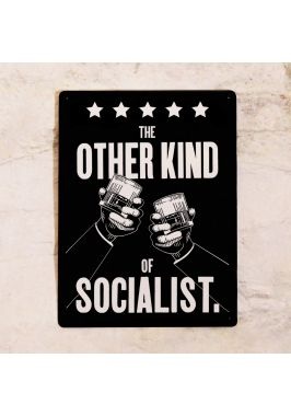 Легендарная табличка Socialist