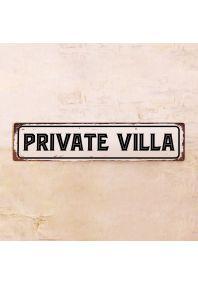 Табличка Private Villa